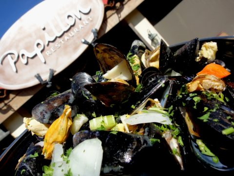 Fresh Mussels arrive at Papillon!